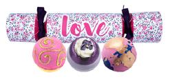 Bomb Cosmetics Zestaw upominkowy w kształcie cukierka LOVE
