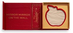 Makeup Revolution x Disney Fairytale Books Apple Highlighter rozświetlacz do twrzy Snow White