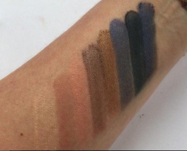 Makeup Revolution 30 Eyeshadow Fortune Favours THE BRAVE - Paleta 30 cieni do powiek